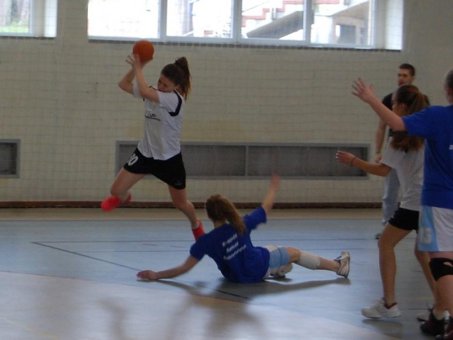 Piłka ręczna – zwycięstwa dziewcząt i chłopców!!!