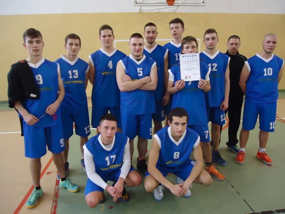 Mistrzostwa Powiatu w koszykówce : II miejsce chłopców