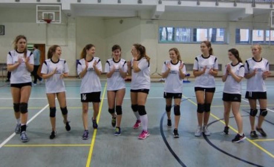 III miejsce w półfinale strefy jeleniogórskiej w siatkówce dziewcząt