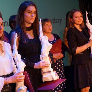 16 Nagród i 15 Stypendiów Starosty dla naszych uczniów i absolwentów. Gratulujemy!