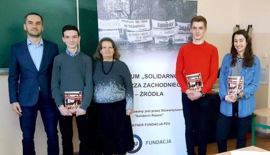 """Badali historię """"Solidarności"""""""